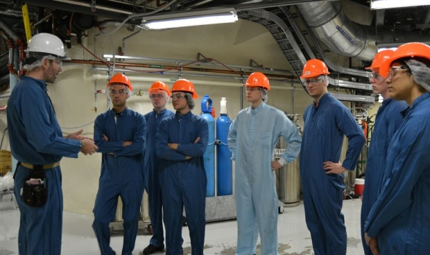 news-g-summer-students-snolab-guided-tour